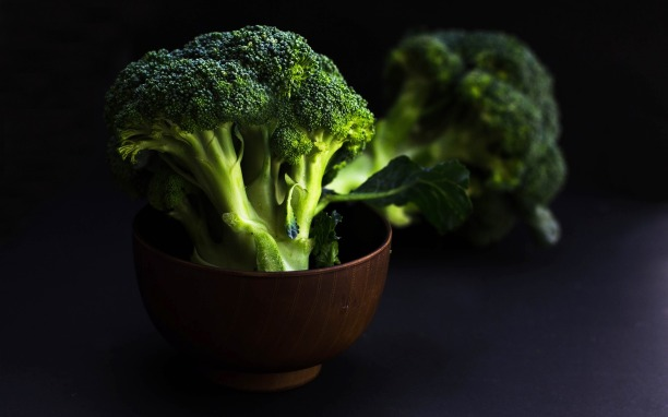 bowl-of-broccoli-2584307_1920
